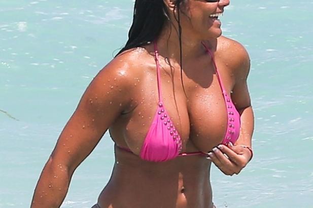 Jeśli lubisz latynoski, duże cycki i doświadczone kobiety - oto laska idealna dla ciebie - Maripily Rivera!