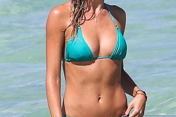 Lauren Stoner w bikini.