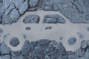 Ziemia wessała samochód