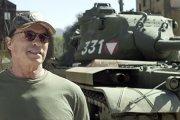 Jazda czołgiem z Arnoldem do wygrania