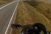 Motocykl wpadł w przepaść