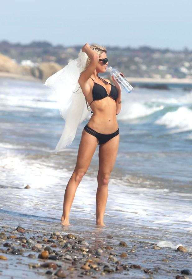 Lexie Marlow w bikini
