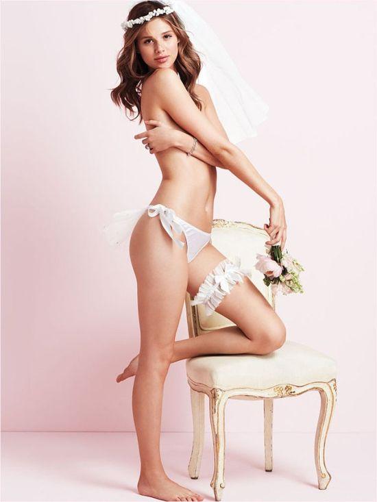 Anais Pouliot w bieliźnie Victoria's Secret