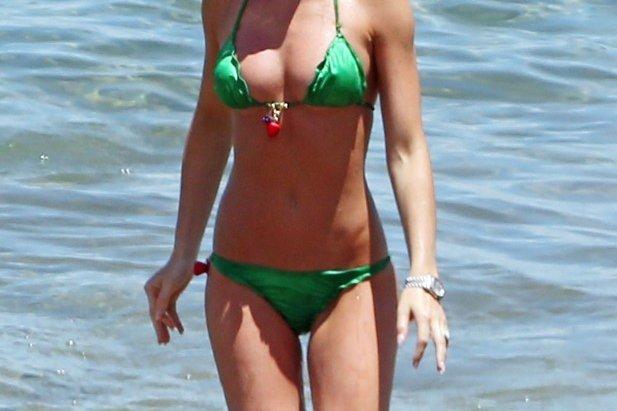 Abbey Clancy w zielonym bikini.