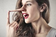 10 kłamstw, którymi karmią was kobiety