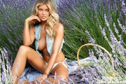 Samantha Hoopes - SI 2015