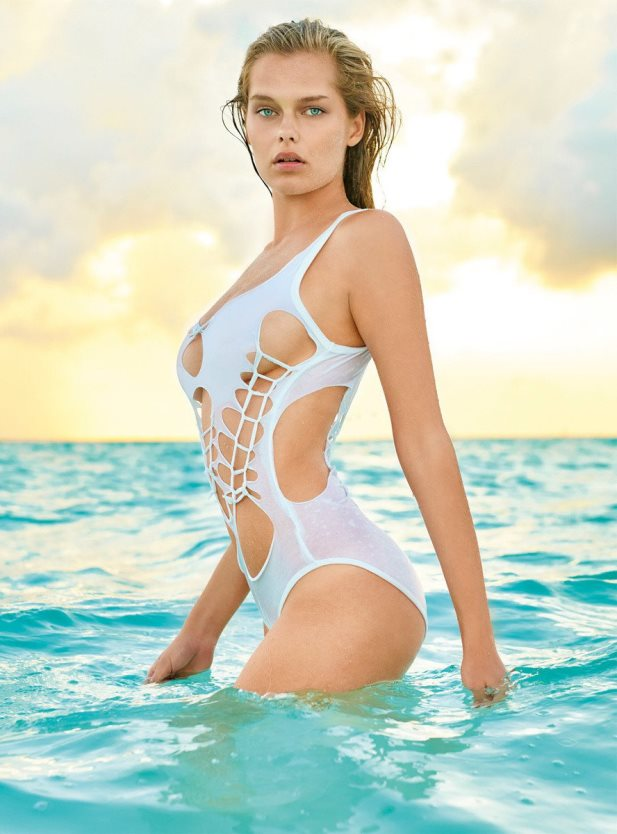Solveig Mork Hansen w bikini World Swimsuit