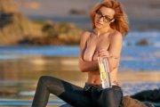 Elizabeth Marxs topless - size plus?