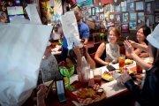 Kelnerzy chamscy na życzenie