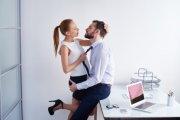 Polityk chce płacić za seks w pracy