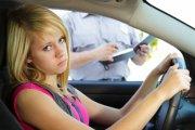 Coroczne egzaminy teoretyczne dla wszystkich kierowców