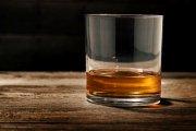Dlaczego whisky smakuje lepiej z wodą