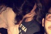 Facet zrobił sobie selfie ze swoją dziewczyną, gdy ta go zdradzała