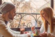 Kto powinien płacić na pierwszej randce i czy można prosić o zwrot pieniędzy