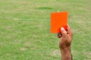 Piłkarz dostał czerwoną kartkę za… nazwisko