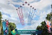 Spitfire'y, Hurricane'y i 100 innych maszyn  na lotniczej defiladzie z okazji 100-lecia RAF