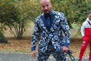 Zobaczcie garnitury, w które Artur Szpilka ubrał swoje psy - mówił o tym w wywiadzie dla CKM