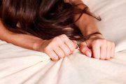 6 trików (nie tylko łóżkowych), które zapewnią jej orgazm