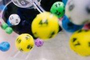 Jeżeli grać, to jak? Lotto online kontra legalni bukmacherzy internetowi