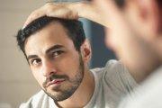 Jak walczyć z łysieniem, kiedy kosmetyki to już za mało?