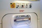 Brytyjka próbowała otworzyć drzwi w trakcie lotu. Zapłaci horrendalne pieniądze