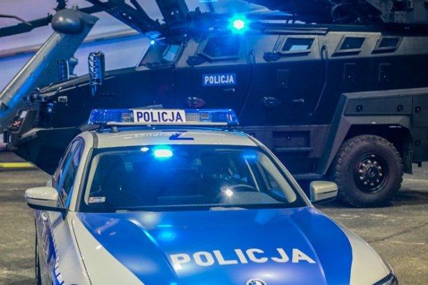 Policja dostała właśnie radiowozy, furgony, więźniarki, terenówki, łodzie, motocykle, ambulanse poczty specjalnej, autobusy, specjalistyczne pojazdy, urządzenia diagnostyczne czy inny sprzęt transportowy.