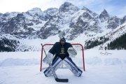 Grali w hokeja na Morskim Oku. TPN zapowiada kary