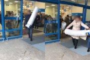 Klienci rzucili się na wiadra. Włocławski market rozdawała je za darmo