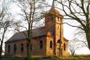 Ksiądz zburzył kościół. Wciąż miga się od kary