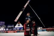 Polscy skoczkowie bez nart. Linie lotnicze zgubiły ich sprzęt
