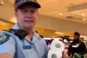 W Australii policja wydziela papier toaletowy. Wszystkiemu winne awantury