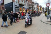 Polacy kupują makaron i papier. Holendrzy stali w kolejkach po… zioło