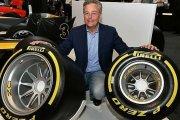 Dyrektor Pirelli po godzinach zmienia się w Supermana naszych realiów