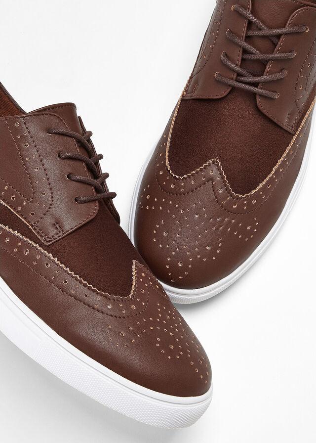 buty-sznurowane.jpg