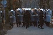 """Wszyscy zwalniają, policja zatrudnia. """"Dołącz do najlepszych"""""""