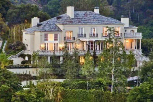Elon Musk sam zajął się sprzedażą posiadłości. Nabył ją najbogatszy Chińczyk.