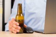 Sprzedaż alkoholu przez internet. Projekt ustawy trafił do sejmu