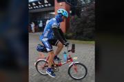 Ten gość przejechał ultramaraton rowerowy na składaku Wigry 3