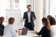 Tego lepiej nie mówić szefowi. 6 zdań, które cię pogrążą