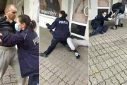 Policjantka pacyfikuje gościa bez maseczki. Doszło do walki w parterze